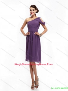 2015 Fashionable One Shoulder Dark Purple Homecoming Dresses with Ruching