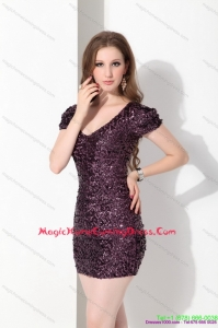 2015 Fashionable V Neck Mini Length Homecoming Dress with Sequins