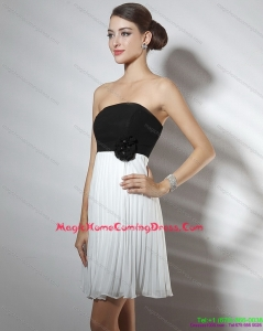 2015 Strapless Ruching and Hand Made Flower Homecoming Dresses in White and Black