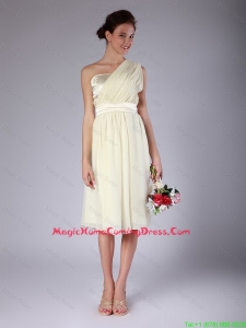 Pretty Knee Length One Shoulder Homecoming Gowns in Light Yellow