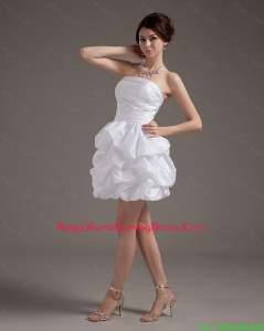 Latest Short Strapless White Lovely Homecoming Gowns with Pick Ups