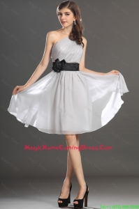 Modern One Shoulder Hand Made Flower and Belt Homecoming Dress in Grey