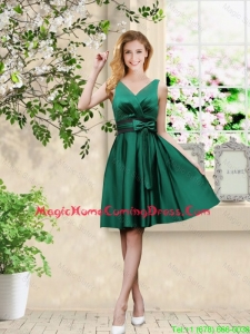 Wonderful V Neck Bowknot Hunter Green Homecoming Dresses with Knee Length