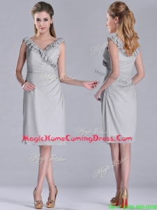 Modest V Neck Grey Chiffon Short Homecoming Dress with Side Zipper