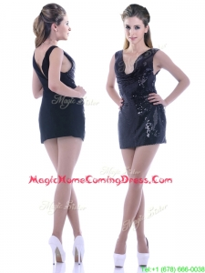 Latest Column Low Cut Neckline Sequined Homecoming Dress in Black