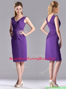 Cheap Column V Neck Knee-length Short Homecoming Dress in Purple