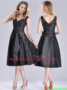 Popular Empire Black Tea Length Homecoming Dress with Ruching and Bowknot