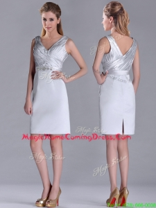 Modern V Neck Belted with Beading Homecoming Dress in Silver