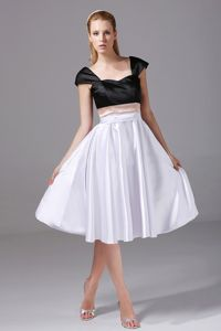 Square Cap Sleeves Knee-Length Black and White Homecoming Dress with Pink Belt