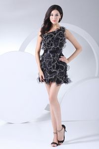 Mini-Length Black One-Shoulder Homecoming Cocktail Dress with Ruffles and Belt