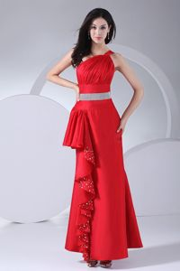 One-Shoulder Red Ruched Ankle-Length Homecoming Dress for Junior with Beaded Belt