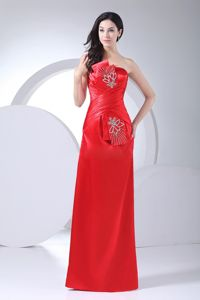 Red Floor-Length Sheath Strapless Celebrity Homecoming Dress with Appliques in Dover