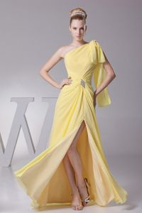 Yellow One-Shoulder Floor-Length Appliqued Homecoming Dress for Junior with Slit