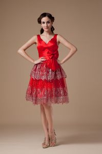 Rochester USA Hot V-neck Red Short Homecoming Dress with Bow Patterns
