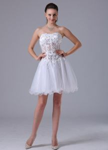 Beaded White A-line Straps Decorate Short Homecoming Dresses with Appliques in Ocala