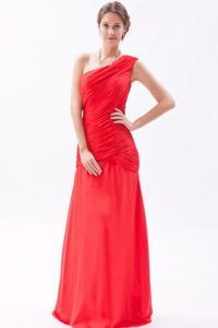 Red One Shoulder Prom Dress Chiffon Ruched Homecoming Dress in Floor-length in Troy
