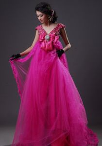 Rhinestone V-neck Empire Organza Floor-length Homecoming Dress in Fuchsi in Orlando