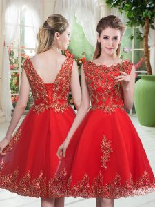 Scoop Sleeveless Homecoming Party Dress Knee Length Beading and Appliques Red Tulle