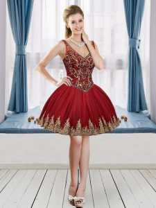 Vintage Tulle V-neck Sleeveless Lace Up Beading and Appliques Homecoming Dresses in Wine Red
