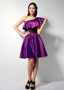 Eggplant Purple A-line One Shoulder Knee-length Homecoming Court Dresses
