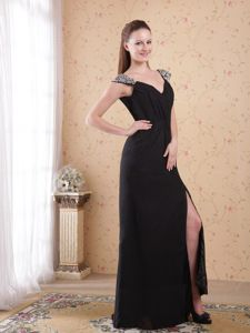 Beaded and Ruched Slit Chiffon Homecoming Queen Dresses in Sweden
