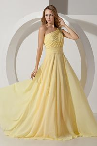 Light Yellow Single Shoulder Ruched Dresses for Homecoming in Dax