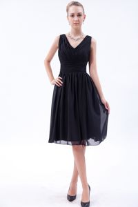 Empire V-neck Knee Length Best Homecoming Dress Made in Chiffon