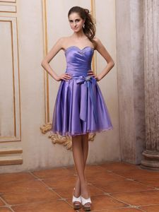 Sweetheart Beaded Knee-length Ruched Pretty Homecoming Dress with Bowknot