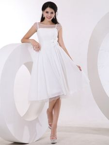 Handmade Flowers Knee-length Sweet White Inexpensive Homecoming Dresses
