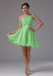 One Shoulder Spring Green Homecoming Queen Dresses with Ruched in Artesia