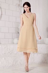 Champagne V-neck Tea-length Homecoming Dresses with Ruches in Modesto