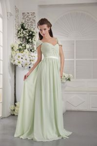 Apple Green Off the Shoulder Homecoming Dresses with Brush Train