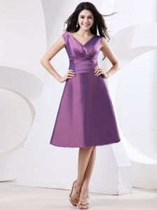 Custom Made V-neck Purple Homecoming Cocktail Dress in Simple Style