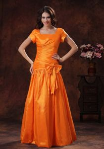 Pleated Orange Square Homecoming Princess Dresses with Short Sleeves