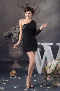 Asymmetrical Black Celebrity Homecoming Dress Single Sleeve Design