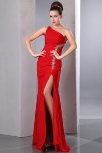 One Shoulder Red Chiffon Beaded Homecoming Dresses with High Split