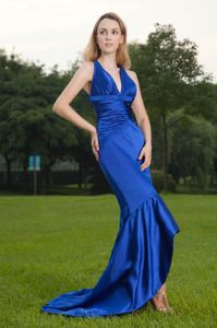 Mermaid Royal Blue V-neck Homecoming Court Dresses with Brush Train
