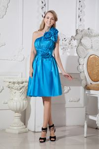 Knee-length Turquoise One Shoulder Celebrity Homecoming Dress