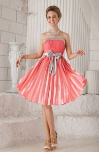Pleated Strapless Knee-length Watermelon Homecoming Dress with Bow