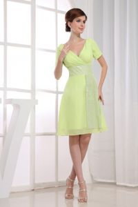 Short Sleeves V-neck Blainville Quebec Party Dresses for Homecoming