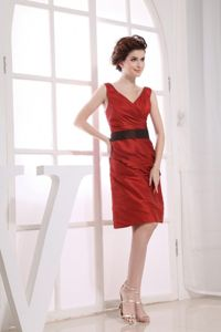 V-neck and Black Sash for Wine Red Homecoming Cocktail Dresses
