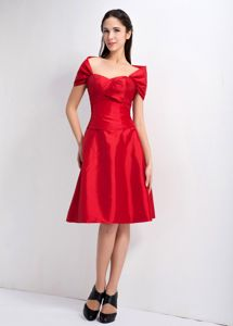 Red Off-the-Shoulder Cap Knee-Length Homecoming Dress for Prom in Arkansas