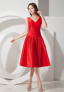 Hot Red V-Neck Tea-Length Straps Ruched Vintage Homecoming Dress in Delaware