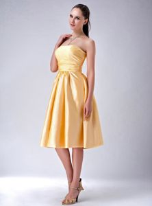 Gold Column Strapless Knee-Length Homecoming Dress with Big Bow On Back