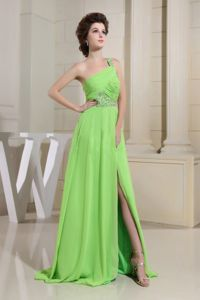 Green One-Shoulder Brush Train Beaded Homecoming Dress with Slit On the Side