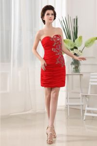 Simple Mini-Length Red Sweetheart Ruched Homecoming Dress with Appliques