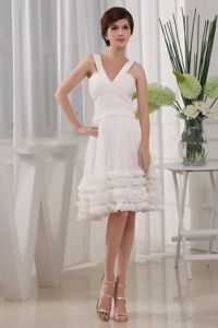 White Straps V-Neck Knee-Length Homecoming Dresses for Junior with Flounce