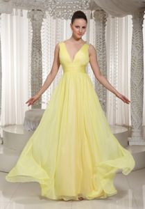 Light Yellow V-Neck Floor-Length Appliqued Straps Homecoming Dress for Junior