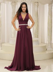 Burgundy Deep V-Neck Straps Brush Train Vintage Homecoming Dress with Belt