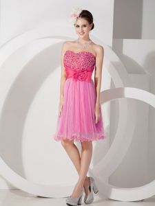 Hot Pink Knee-Length Sweetheart Beaded Homecoming Queen Dress with Flower